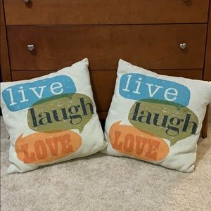 Set of 2 Throw/Accent Pillows